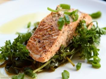 Рыба со шпинатом для восстановления витаминного баланса