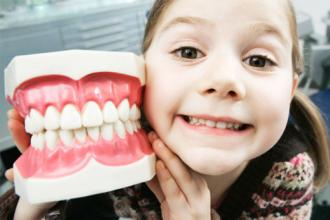 Для здоровья зубов у детей одного витамина Д недостаточно, нужны и другие элементы