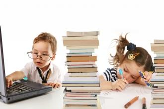 Какие продукты, богатые витаминами, помогут улучшить детям память и внимание?