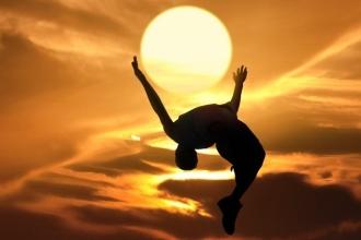 Необходимый для здоровья нервной системы витамин Д вырабатывается в организме под воздействием лучей солнца